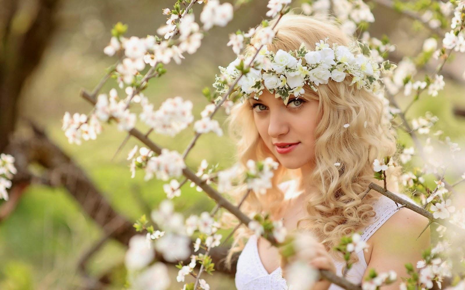 Ảnh hoa dại và thiếu nữ đẹp