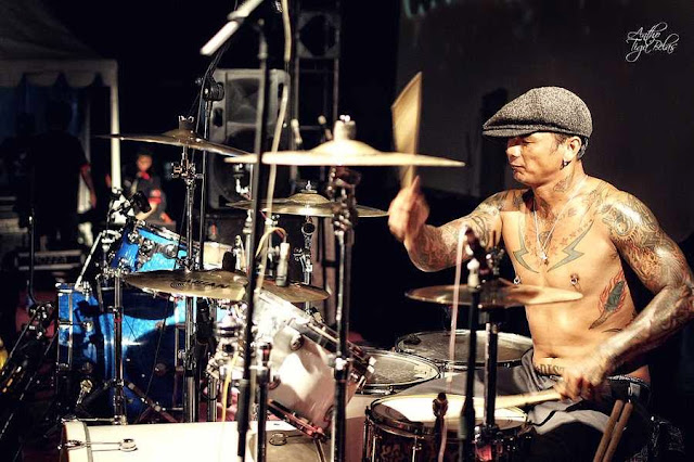 Foto drummer Superman Is Dead