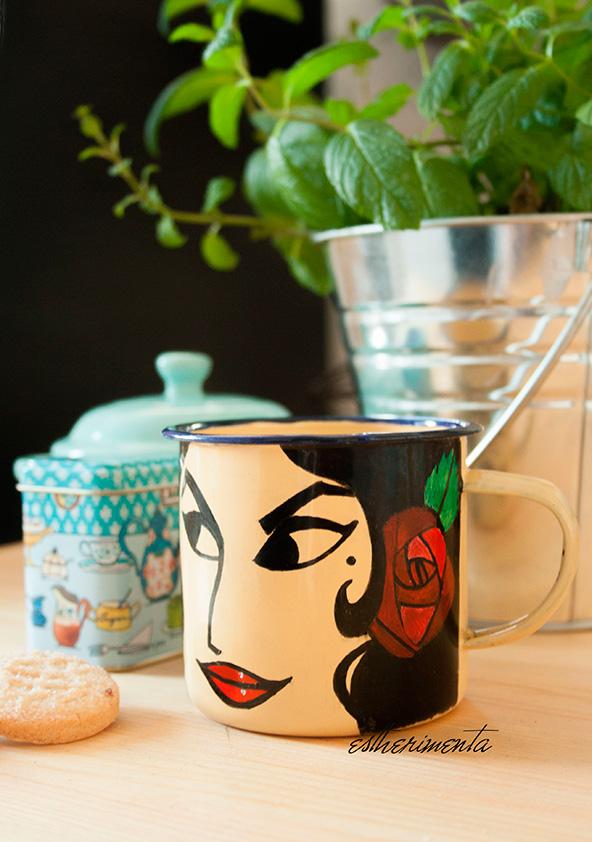 pintar una taza de metal esmaltado por estherimenta