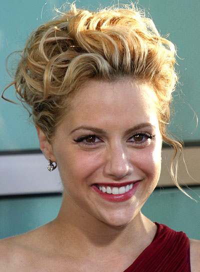 short-curly-updo-hairstyles-brittany-murphy-curly-updo.jpg