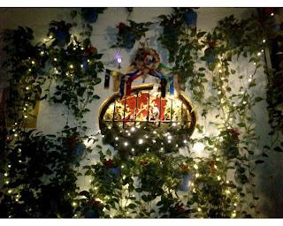 El Pimpi de Málaga se decora en Navidad