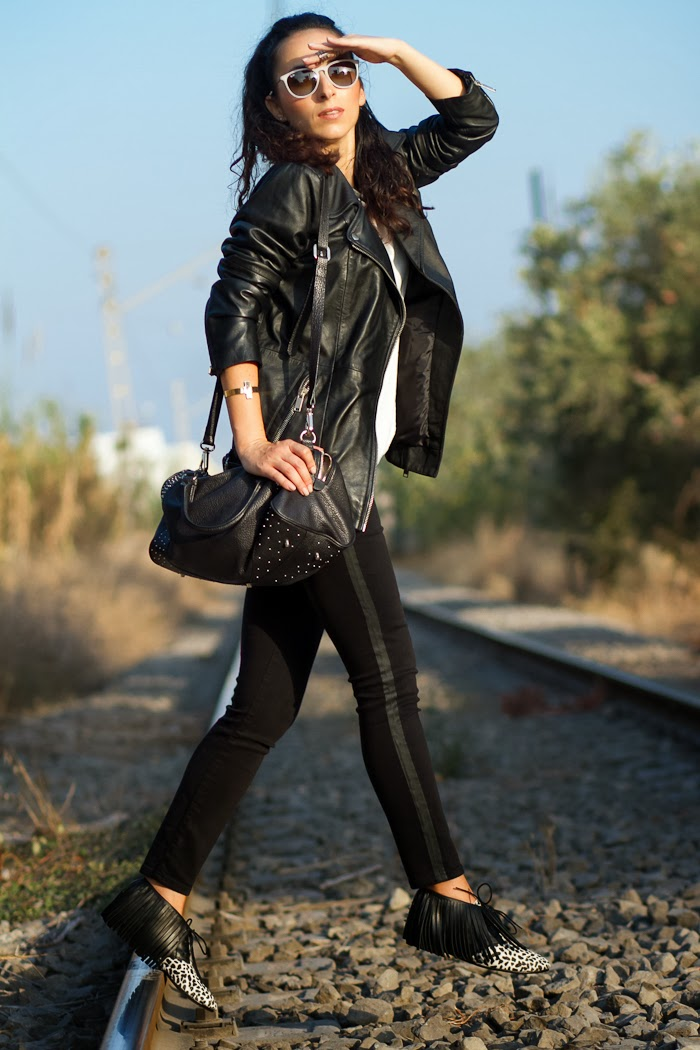 Black Black jeans, Oversized biker leather jacket and Myblüchers Minerva style Booties