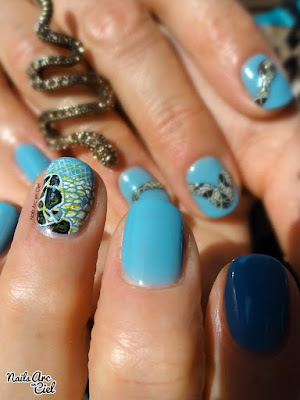 Nail art Serpent relief 3D en gel