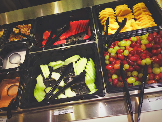 Astons Steak & Salad Fruits Bar