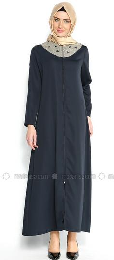 Koleksi Baju Muslim Wanita Modis untuk Kerja