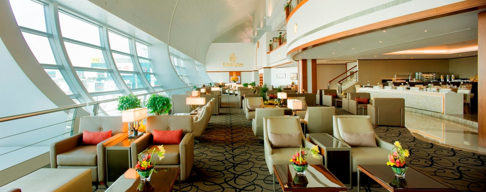 how to get access to airport lounges for free