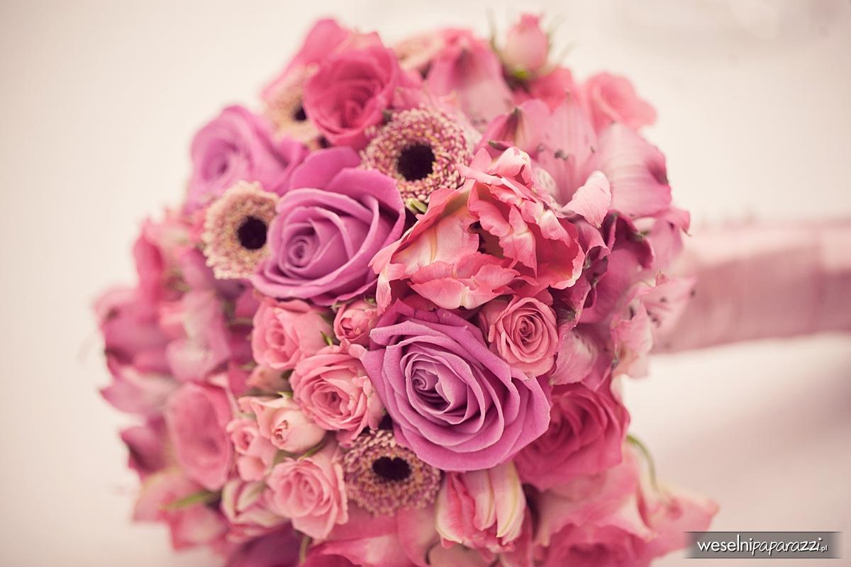 Bukiet ślubny z pudrowych róż