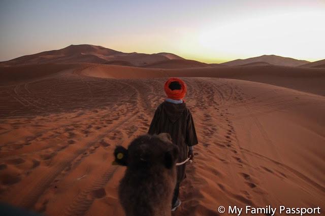 Desierto con niños