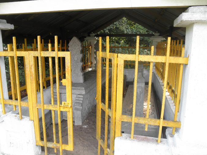 Seni Lama Melayu Malay Olden Art Makam Tomb Of Chik Siti Wan Kembang