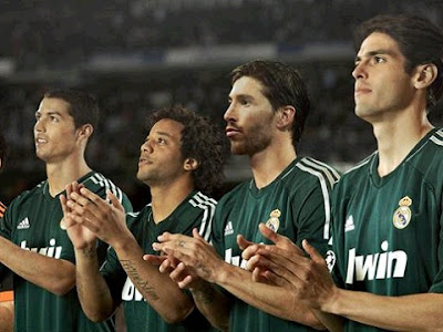 Cristiano Ronaldo, Marcelo, Ramos and Kaka with the Real Madrid green jersey