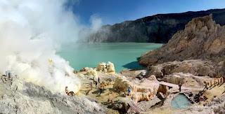 Inilah Tempat Wisata di Jawa Timur Yang Populer - Kawah Ijen di Banyuwangi