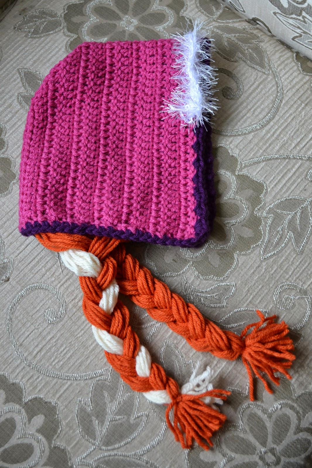 Free Crochet Pattern For Anna Hat : Knotty Knotty Crochet: Princess Anna bonnet FREE PATTERN