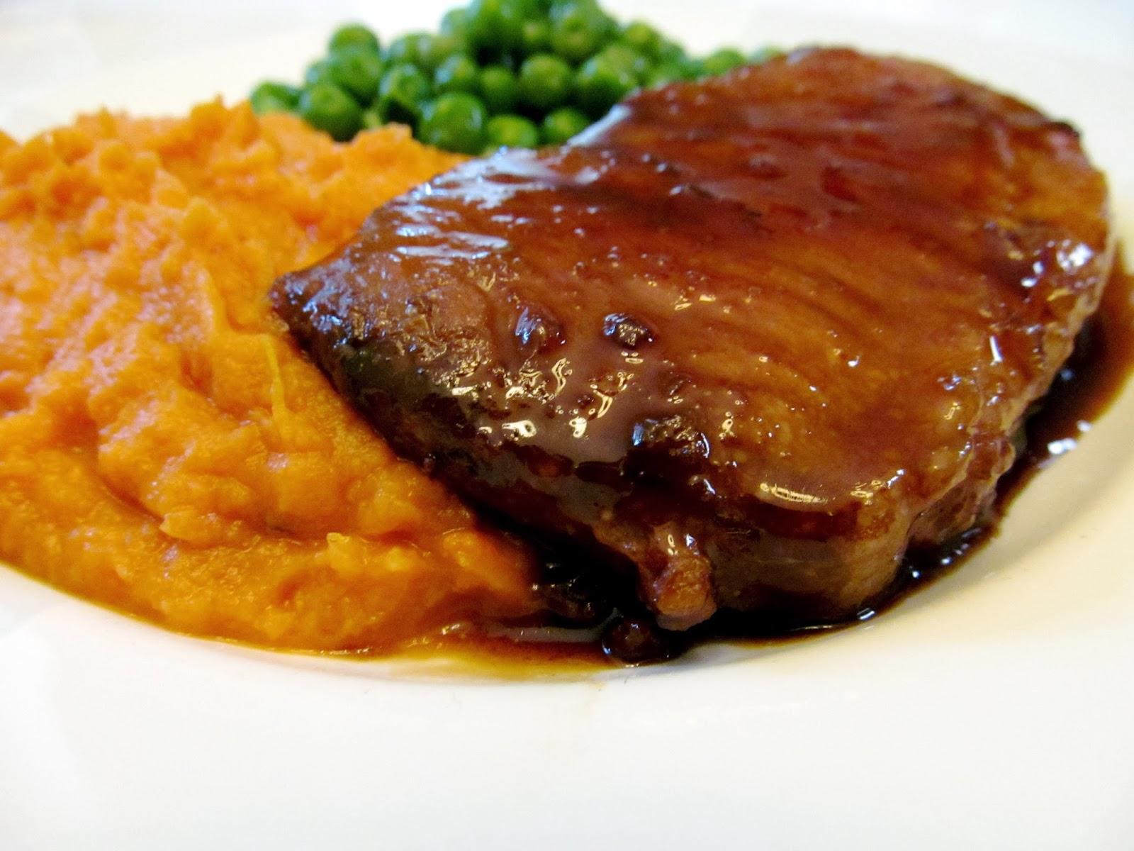 Cozy Bee: braised pork chops