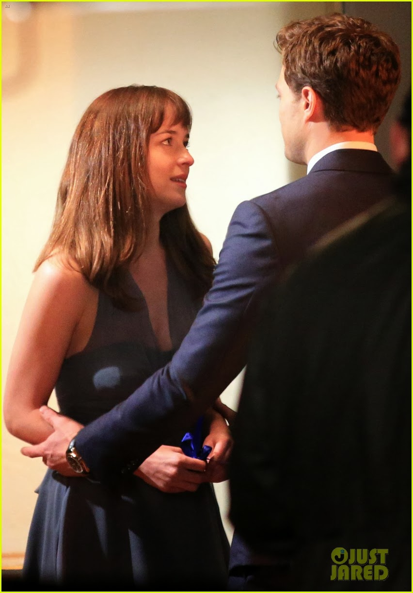 celeb diary jamie dornan dakota johnson filming one of the major scenes in 50 shades of grey. Black Bedroom Furniture Sets. Home Design Ideas