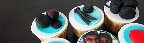 Header picture of customize camera cupcakes design