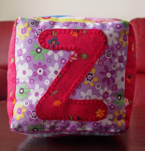 cubo bebé con letra Z