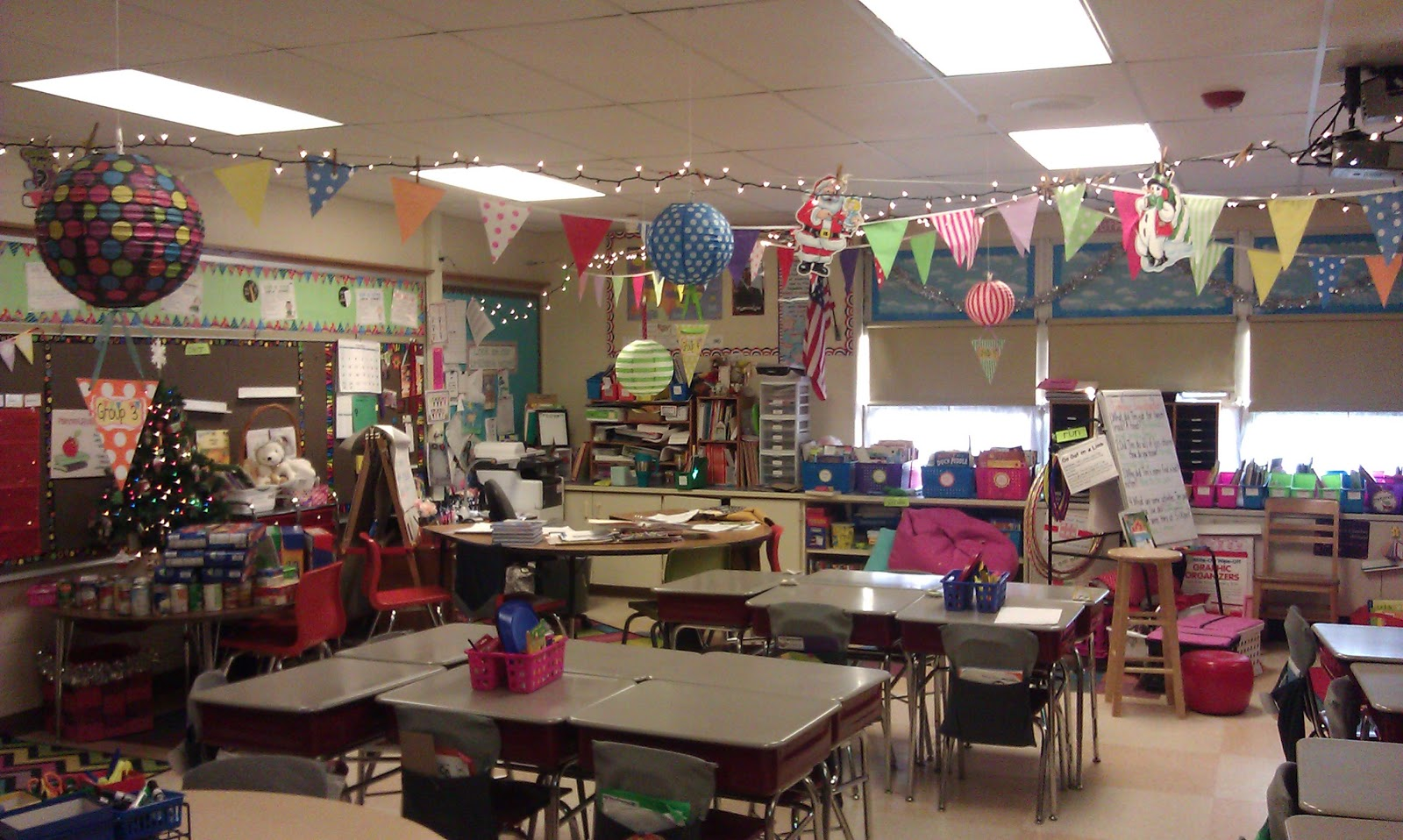 Classroom Ideas For Christmas : Bunting books and bright ideas wednesday in pictures