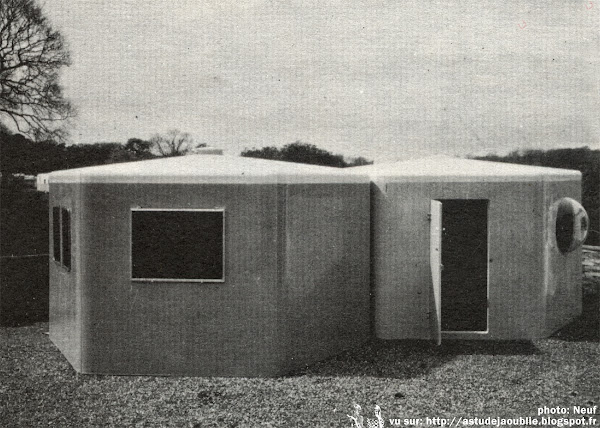 Isle of Wight - Habitation modulaire en plastique  Architecte: Wight Plastics Limited  Projet / Construction: 1968 - 1971