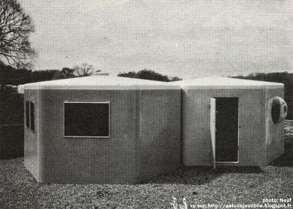 Isle of Wight - Habitation modulaire en plastique  Architecte: Wight Plastics Limited  Projet / Construction: 1968 - 1971