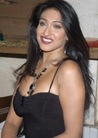 Hot Bengali Actress Rituparna Sengupta