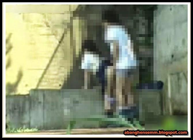 Pasangan Pelajar Sekolah Menengah Ponteng Sekolah Kantoi Berzina Bawah Jambatan