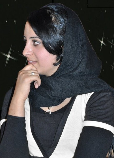Afghan Top Singer Farzana Naz 2011 Picture