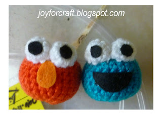 Crochet Cute Mini Elmo and Cookie Monster Handphone strap pattern