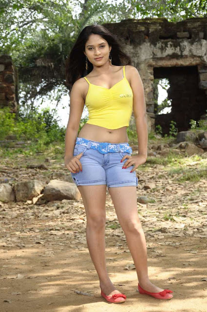 Hot Actress Sanyathara Navel Show Photos