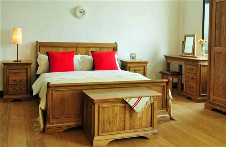 Home decorating interior design ideas oak wood bedroom for Bedroom ideas oak furniture