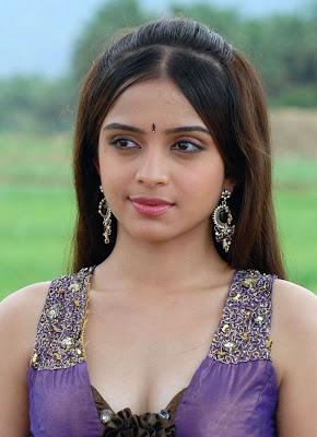 Sheena Shahabadi hot photo