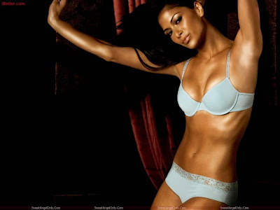 nicole_scherzinger_wallpaper_in_lingerie_bikini_sweetangelonly.com