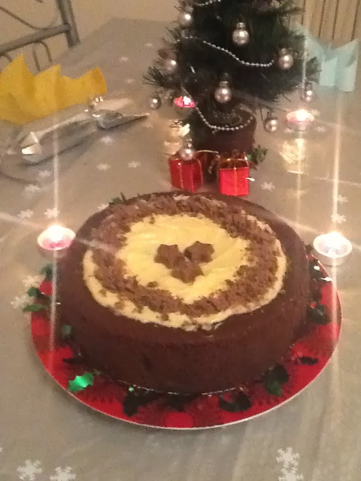 when we got back i made the chrismtmas cake which i swear works beautifully doing it this late to those who are aghast at me not having made it weeks ago - Christmas Fruit Cake Decoration