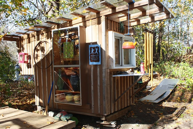 Lloyd s blog yes you can build your own tiny house for Build your own house