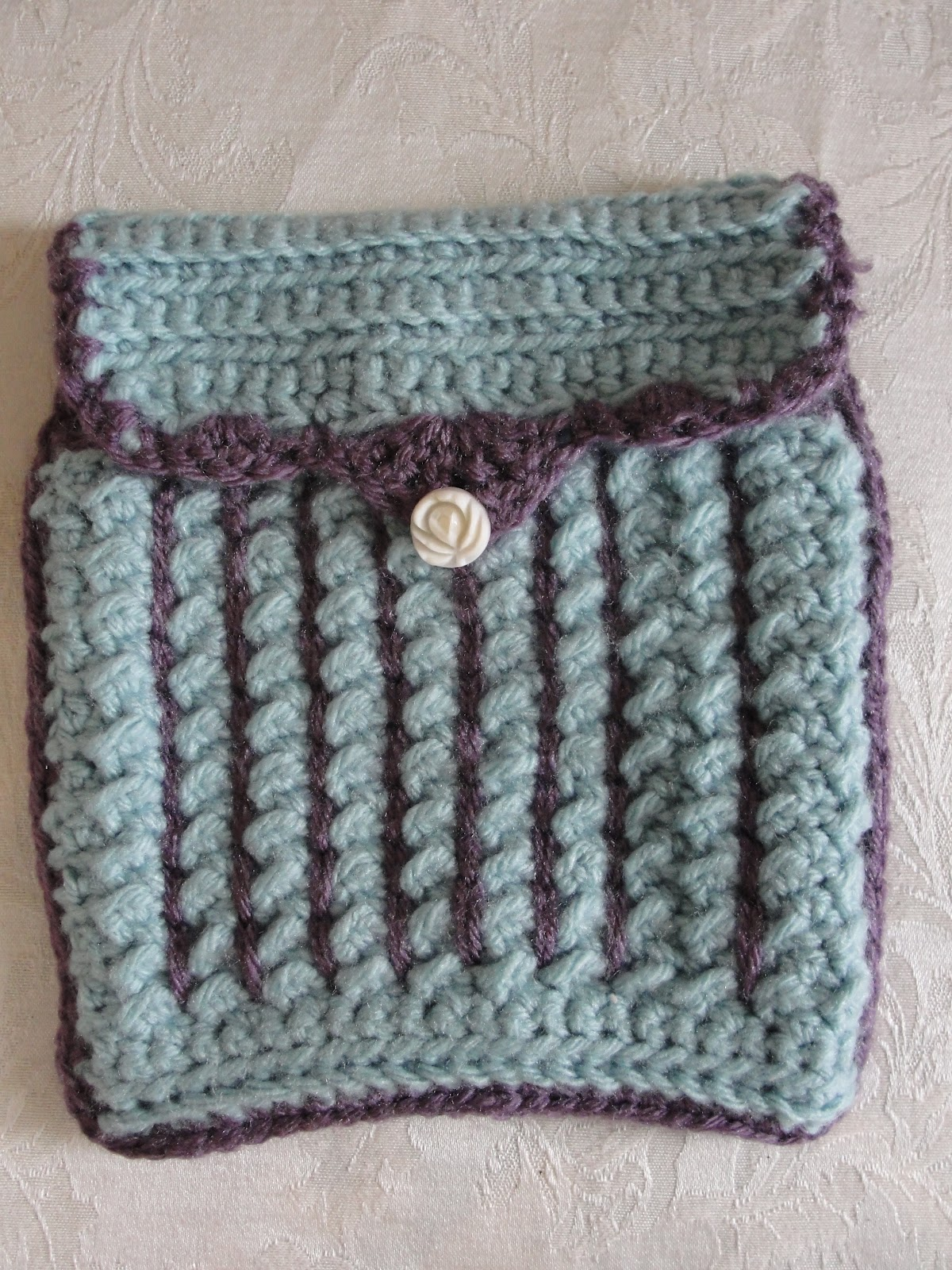 libertycrochet: crunch stitch crochet hook case*