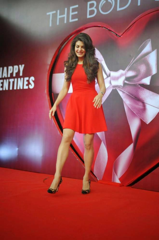 Jacqueline Fernandez Red Mini Dresses Photo