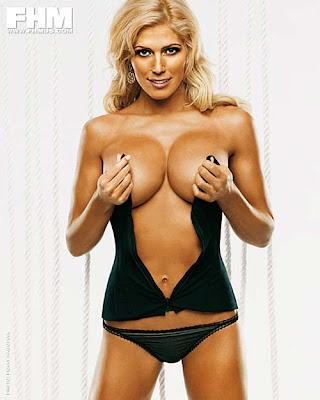 Torrie Wilson breasts