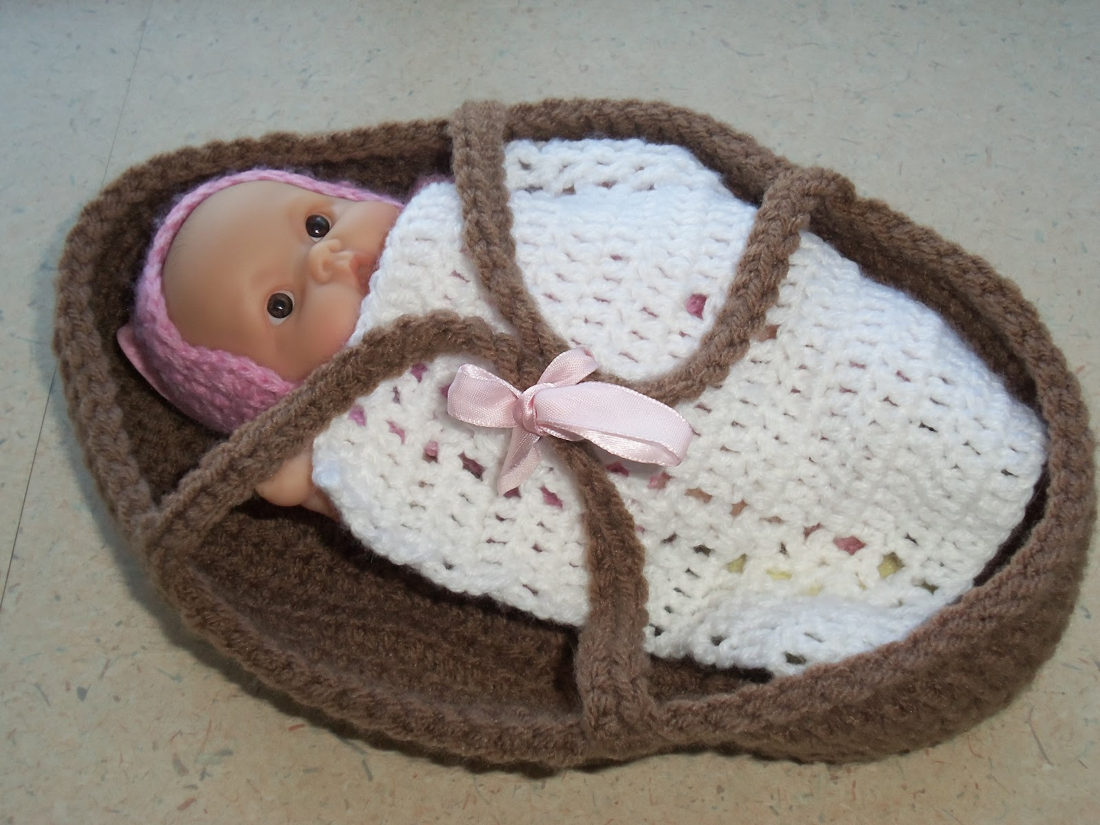 Knitting Pattern For Doll Carrier : MyJCLibrary KnitCrochet: Hot Crocheted Item