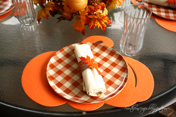 Casual fall/Thanksgiving tablescape & Southern Scraps : Casual fall/Thanksgiving tablescape