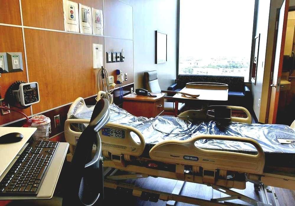 Parkland (film) - Parkland Hospital Business Office