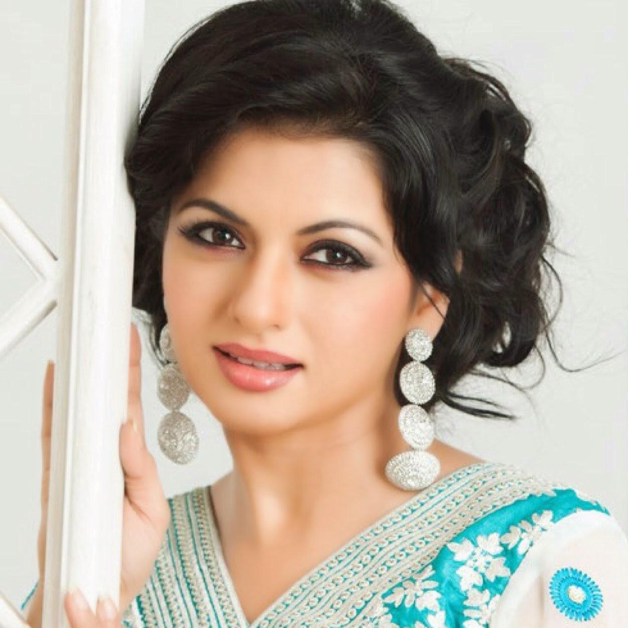 Watch Bhagyashree Patwardhan video