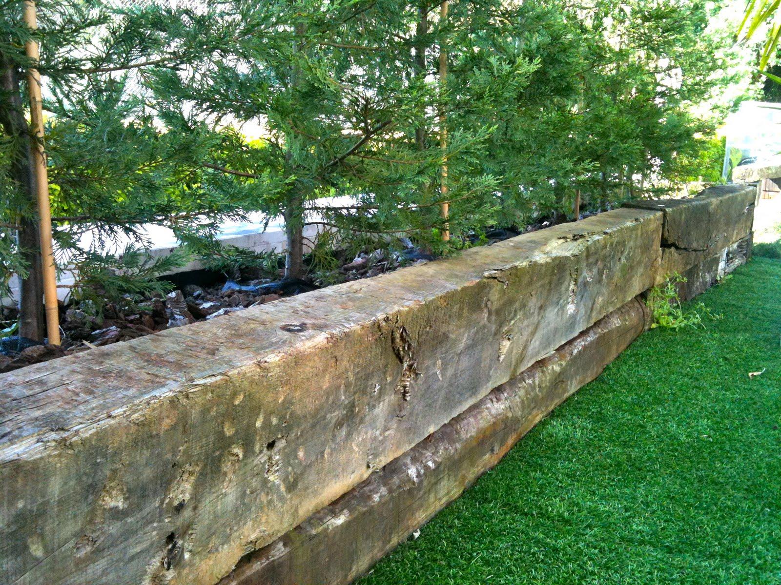 Maceteros y jardineras c a jardineras con traviesas de tren - Traviesas de tren para jardin ...