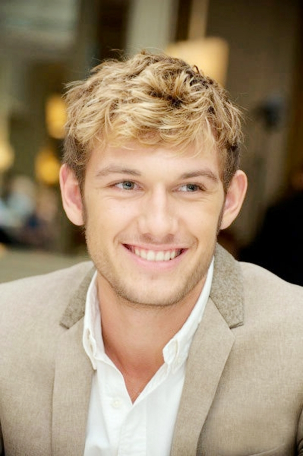 Sean – Alex Pettyfer