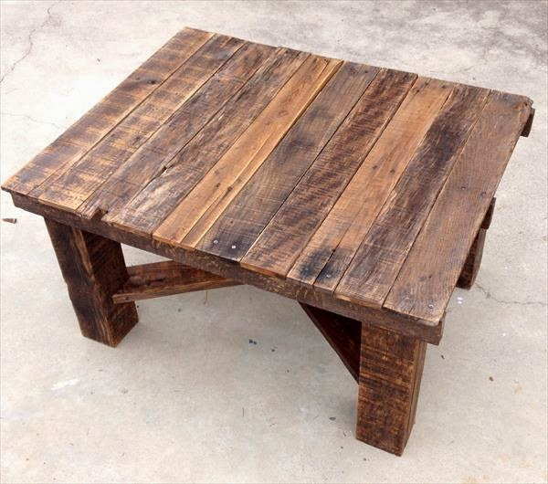 Rustic Wood Pallet Coffee Table: 99+ Pallet Constructions And Furnitures: OUTDOOR