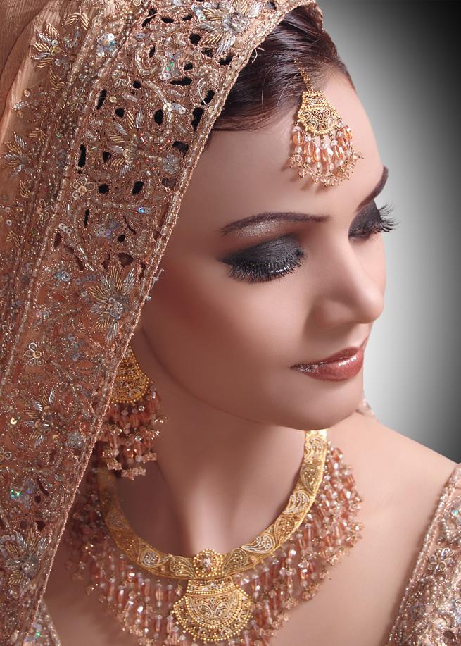 Best Bridal Makeup Artist In West : Top 5 Bridal Makeup Artists in Bangalore