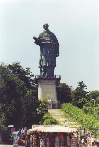 Statue St. Charles Borromeo
