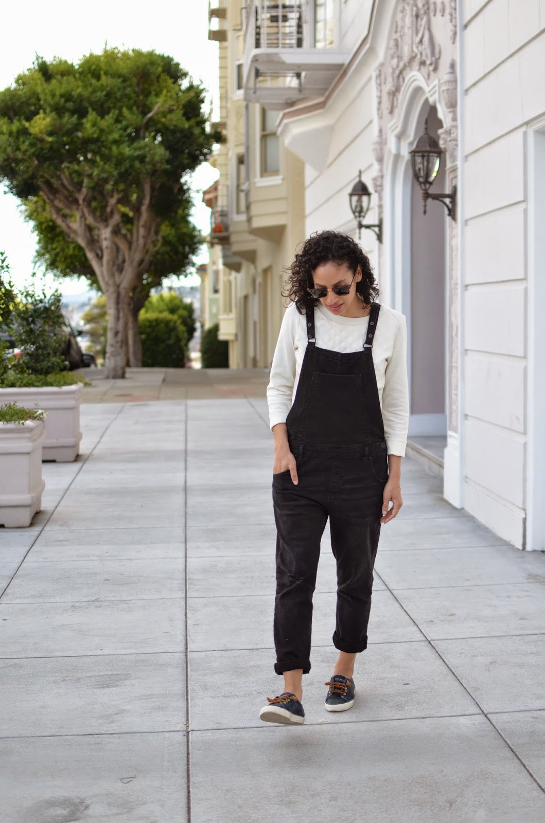 how to style overalls, zara overalls, black overalls, black and white, ray-ban clubmasters, curly hair, san francisco, street style, casual chic
