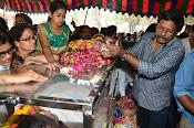Telugu Hero Uday Kiran Condolences-thumbnail-8