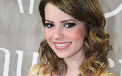 http://3.bp.blogspot.com/-7iEvBLxDU3g/UZBVNJXWa8I/AAAAAAAAA5A/a5SRM1zT3Rs/s1600/cabelos-sandy-2.jpg