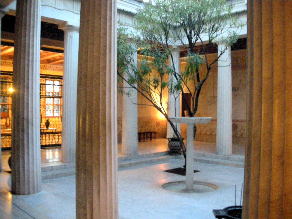 Viaggi e pensieri le courant ligure e la villa k rylos for Arredamento casa antica
