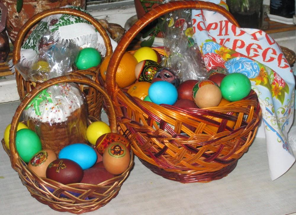 Фото Виталия Бабенко: пасхальные куличи и яйца
